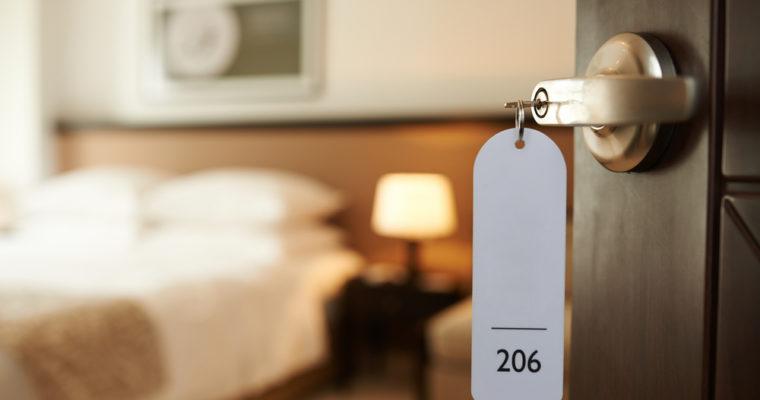 hotel-room-binance-bnb-crypto-760x400